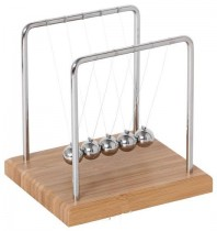 Newton's Cradle with Bamboo Base (14 cm)